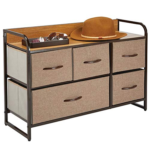 mDesign Cómoda para dormitorio con 5 cajones – Mueble con cajones ancho para el salón, la habitación o el pasillo – Cajonera de metal, MDF y tela para guardar ropa – marrón