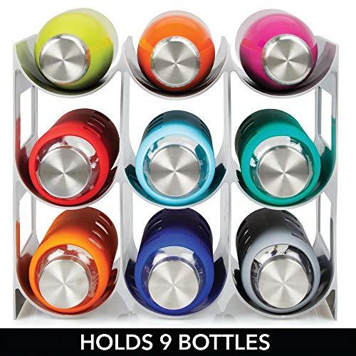 mDesign Práctico estante para botellas de vino – Botelleros para vino y otras bebidas para guardar hasta 9 unidades – Vinoteca de plástico de pie – gris